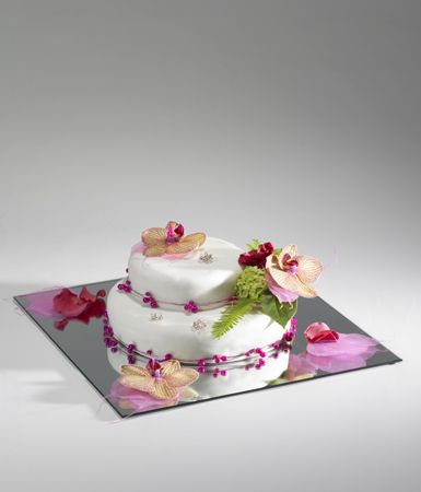 A simple and effective wedding cake display beautifully set off by our